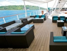 PoolBar_lounge-area_1310